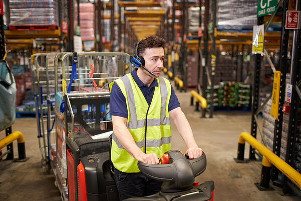 Using Warehouse Wearables To Optimize the Storage Process