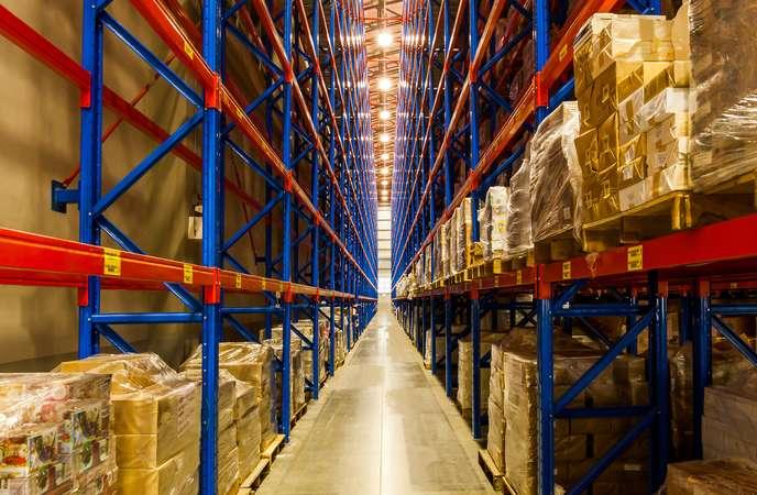 Warehouse Racking System - Narrow Aisle