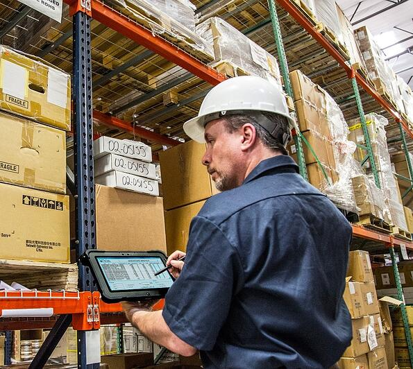 warehouse worker rugged tablet.jpg