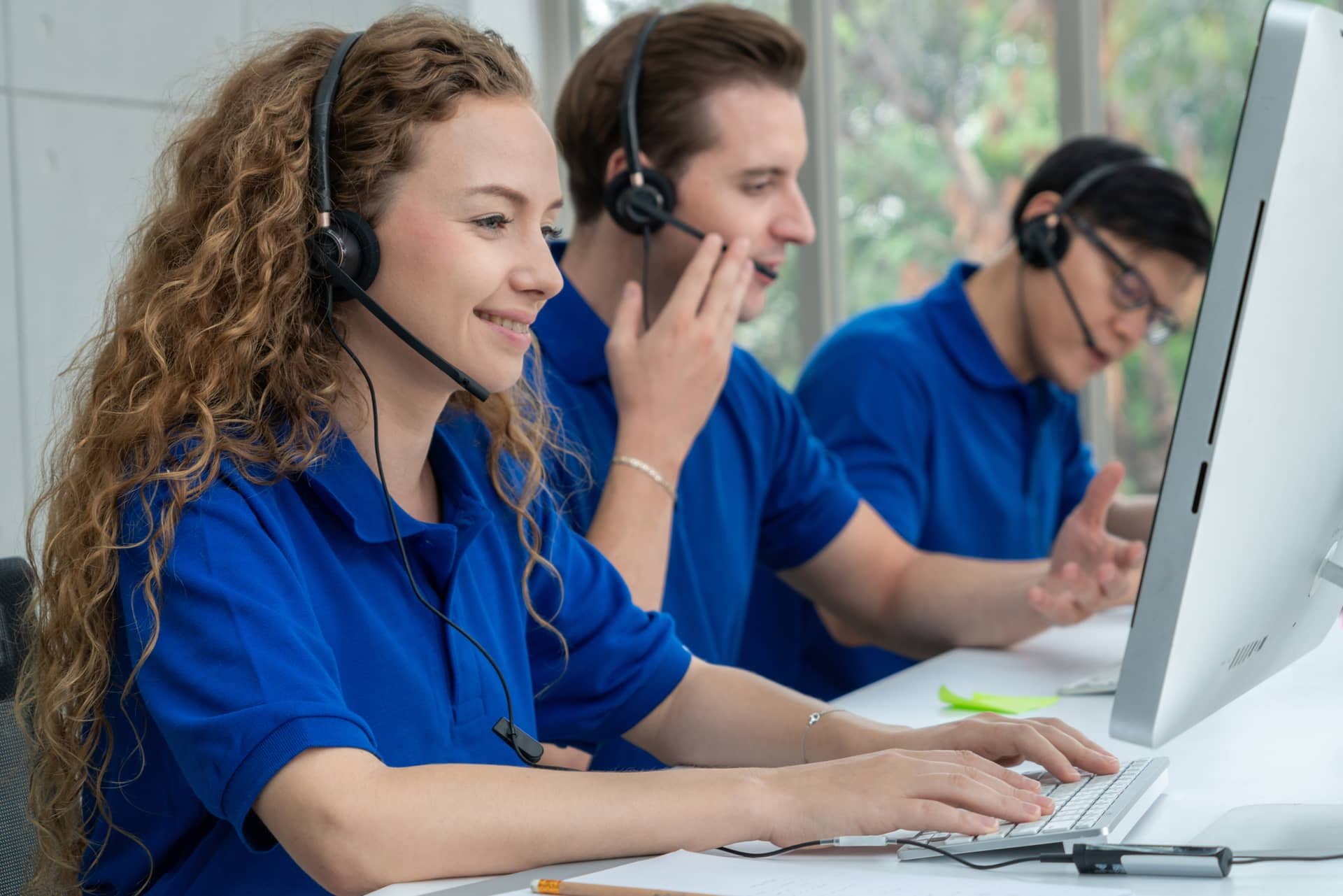 Why Choose Outsourced Business IT Support Over an In-House Technician