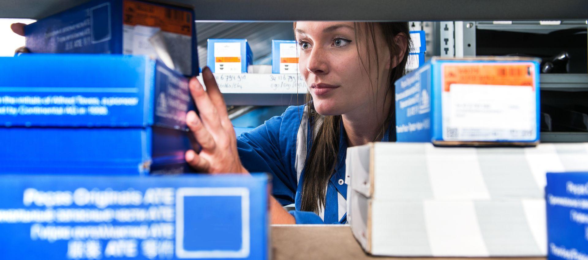 Warehouse Operations: Optimizing the Replenishment Process