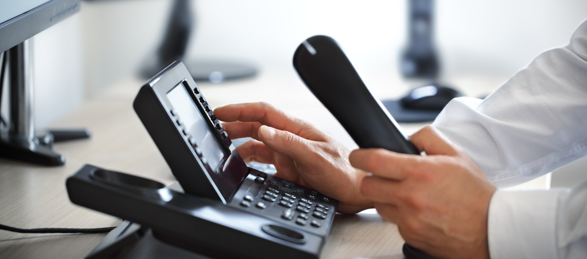 VoIP Advantages and Disadvantages – What to Know Before Purchasing VoIP