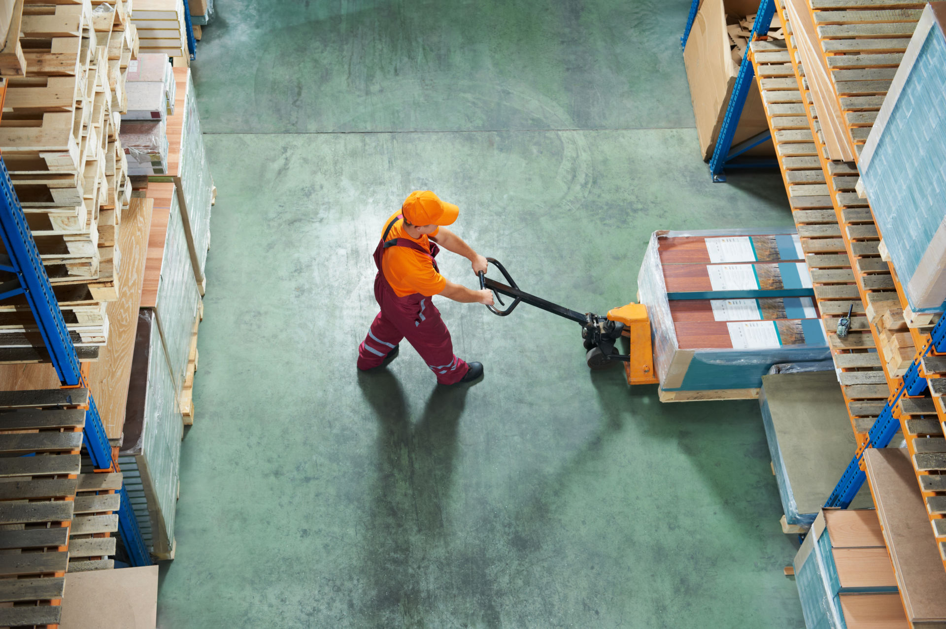 A Must-Have Warehouse Equipment List