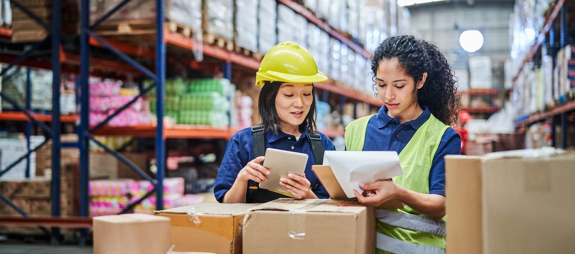Warehouse Packing Station: 5 Factors to Consider to Avoid Bottlenecks