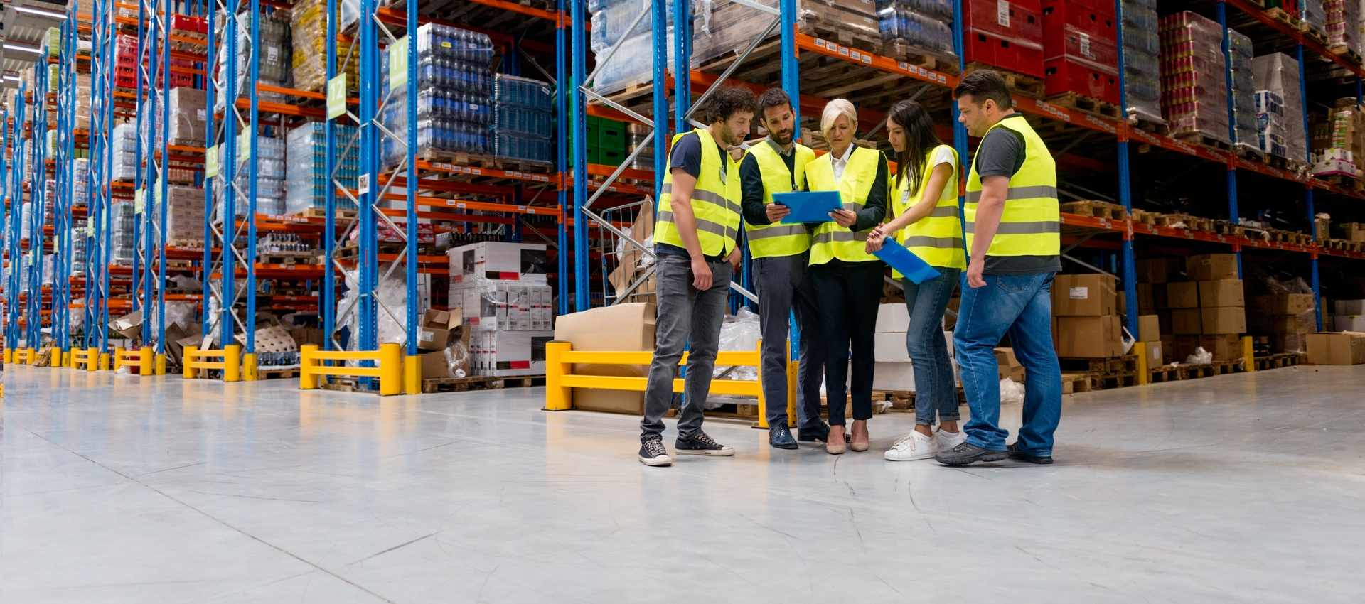 4 Strategies to Attract and Retain Warehouse Workers